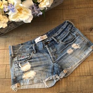 3/$25 SALE! Hollister Distressed Shorts Sz 1 ::